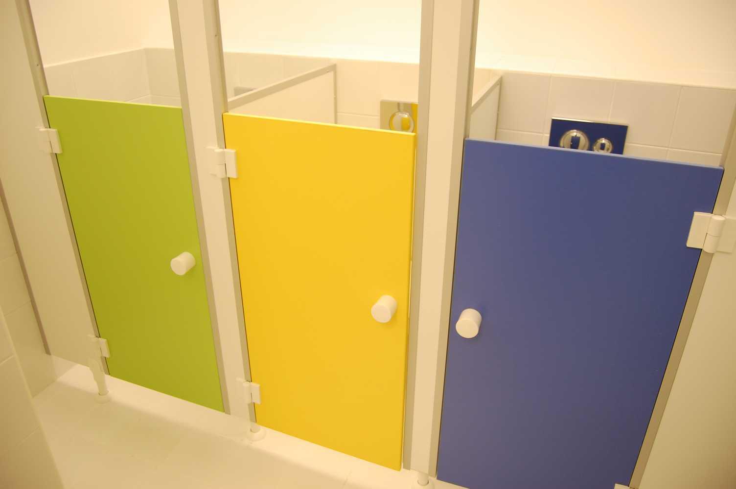 детские туалетные кабинки